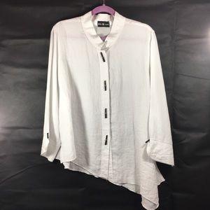 Asymmetrical Hem With Detail Buttons Linen Shirt